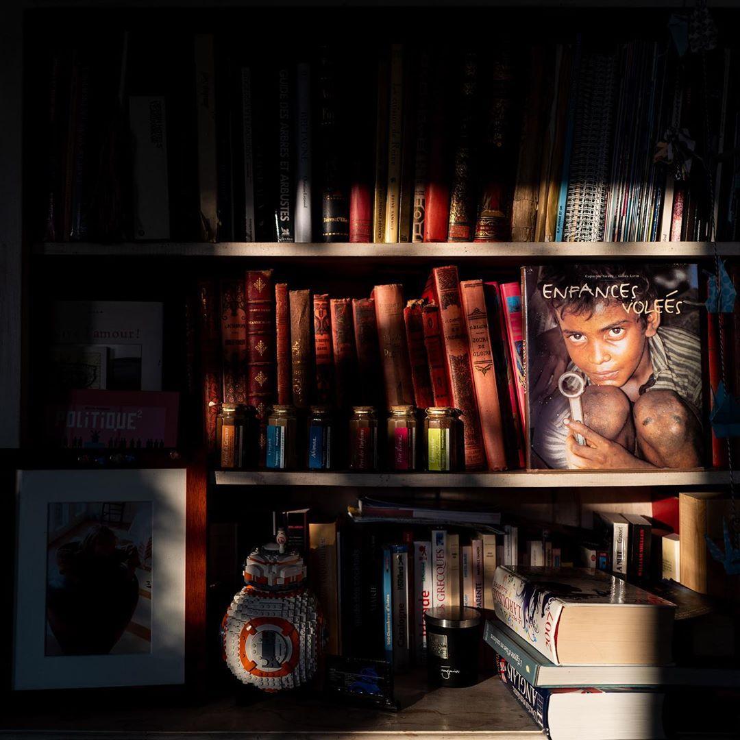 Confinement – day 29 – books and memories #books #memories #shadows #stayathome #coronavirus #covid #confinement #library #oldbooks