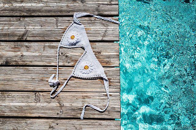 Summer is coming #summer #coming #season #sun #bikini #water #swimmingpool #sun #sunny #sunnyday #bra #pool