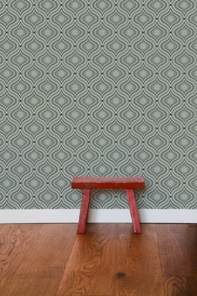 Patricia, ogee pattern design created by Pascûal applied on a wallpaper mockup