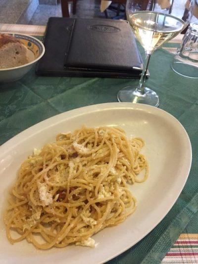 Spaguetti carbonara en Mattozzi Ristorante Napoles Italia