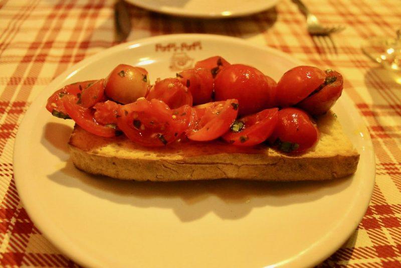 Bruschetta de tomate y albahaca Popi Popi Roma