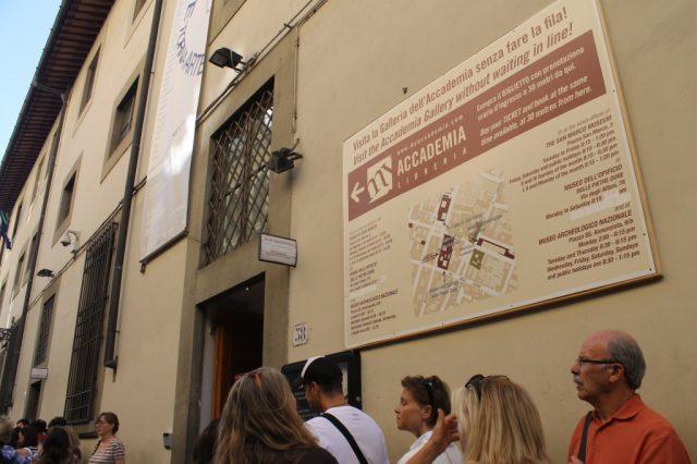 Entrada Galleria de la Academia Florencia