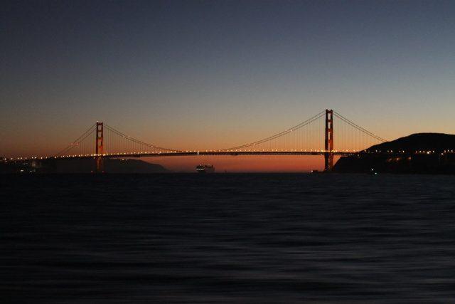Golden Gate de noche