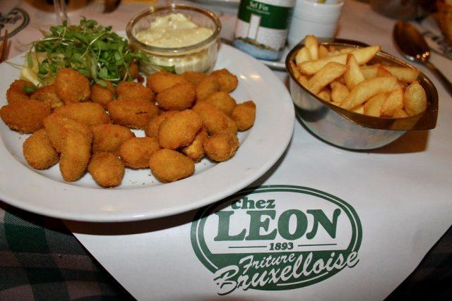 Mejillones rebozados Chez Léon Bruselas