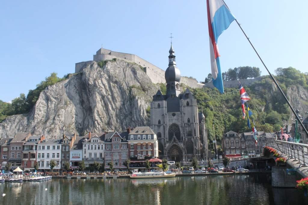 Panoramica de Dinant Belgica