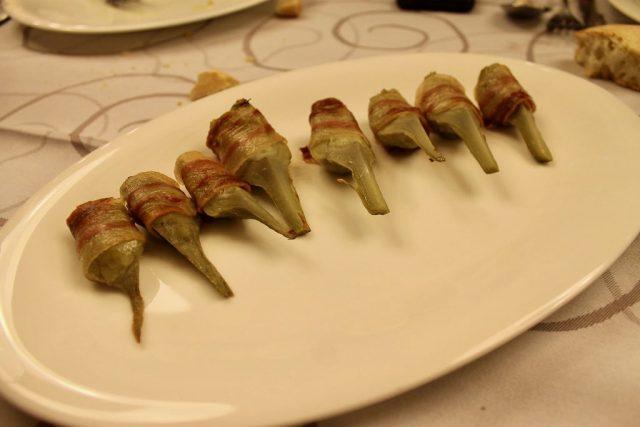 Rollitos de alcachofa natural con papada ibérica Maskarada