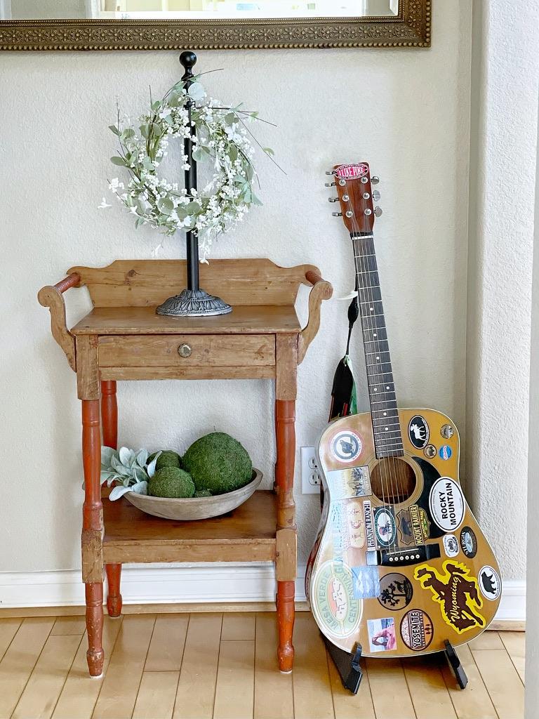 simple and minimal spring decor
