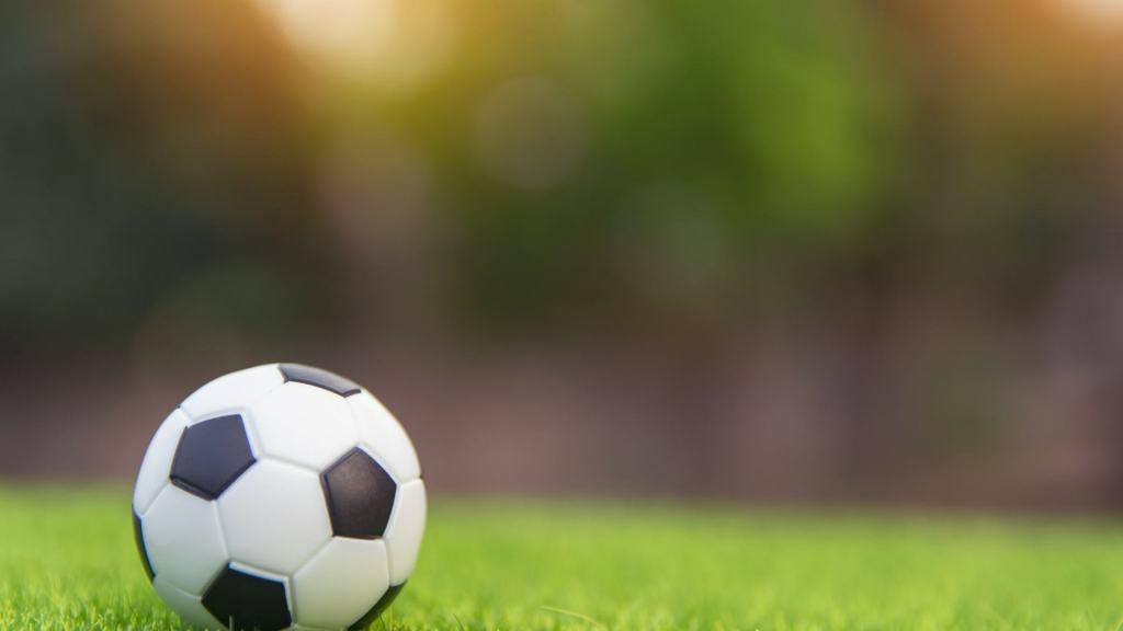balón futbol dejar el taekwondo