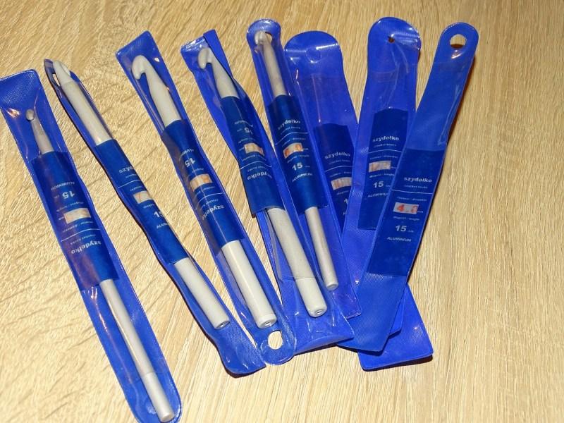 Plastikowe szydełka