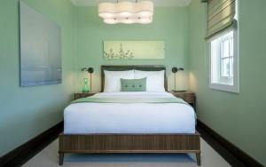 JUST Inn Savant suite bedroom