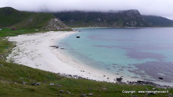Bivouac à Hauckland Beach dans les îles Lofoten en norvege