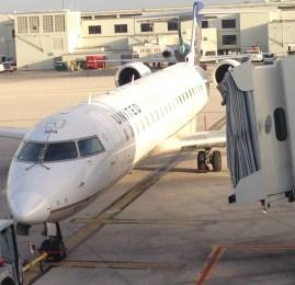 Primeira Classe Doméstica da United no CRJ700