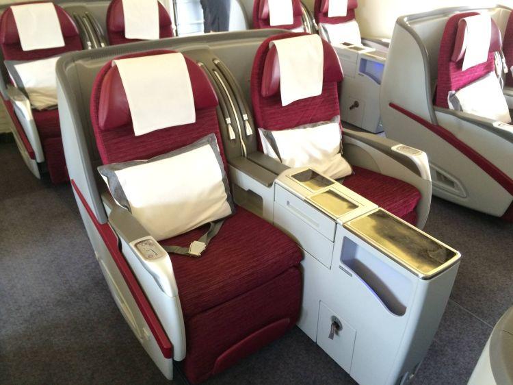 qatar airways first class b777-300er primeira classe