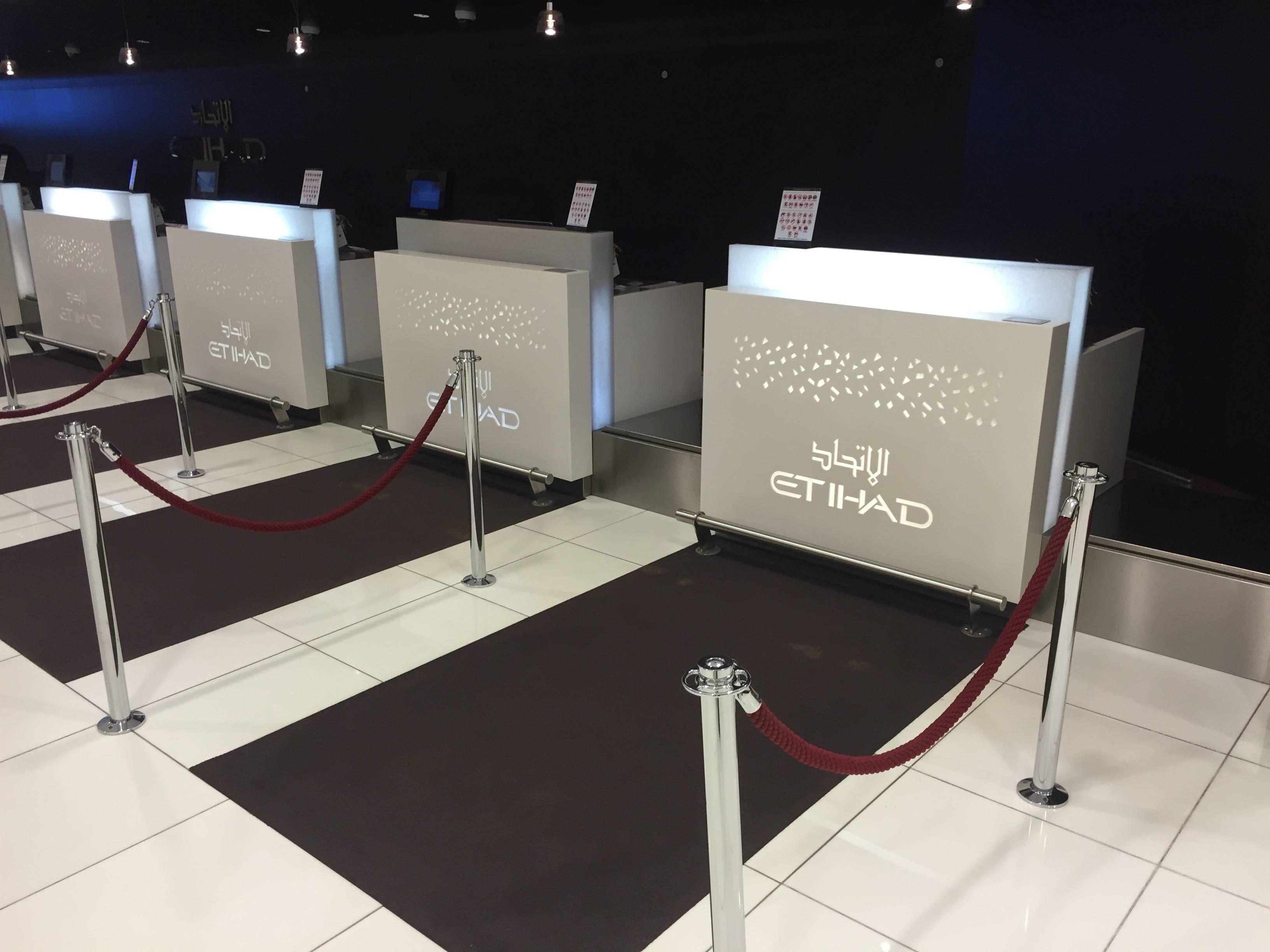 Etihad Premium Check-in Abu Dhabi Passageirodeprimeira7