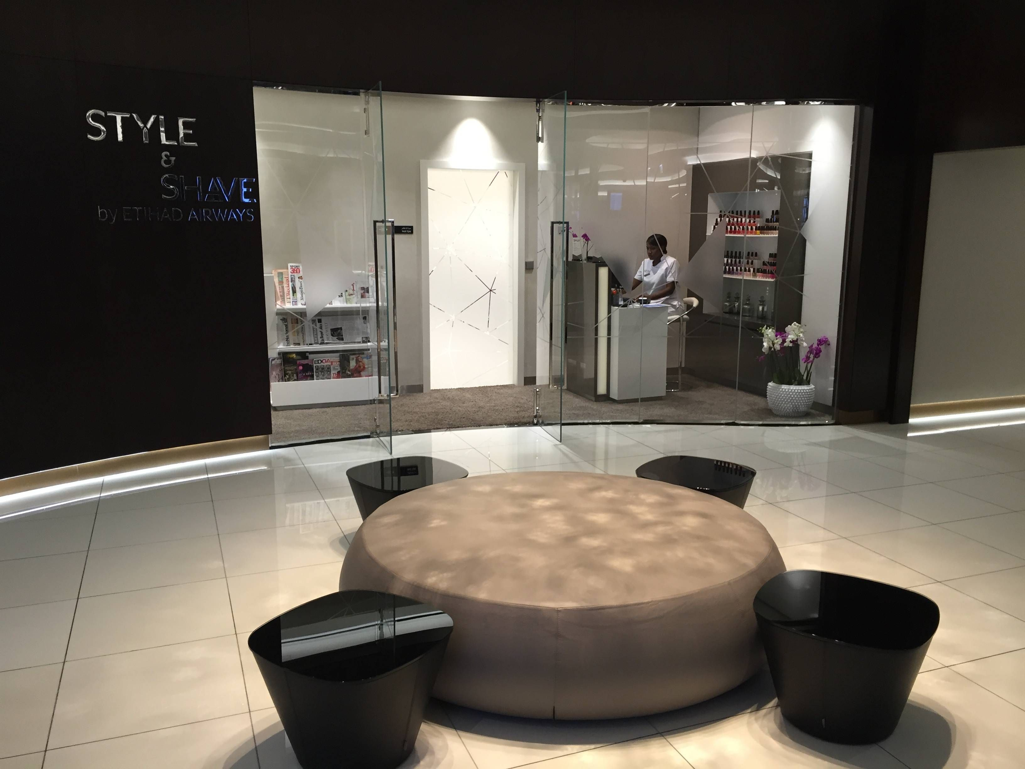 Etihad Premium Lounge Abu Dhabi - Passageiro de Primeira25