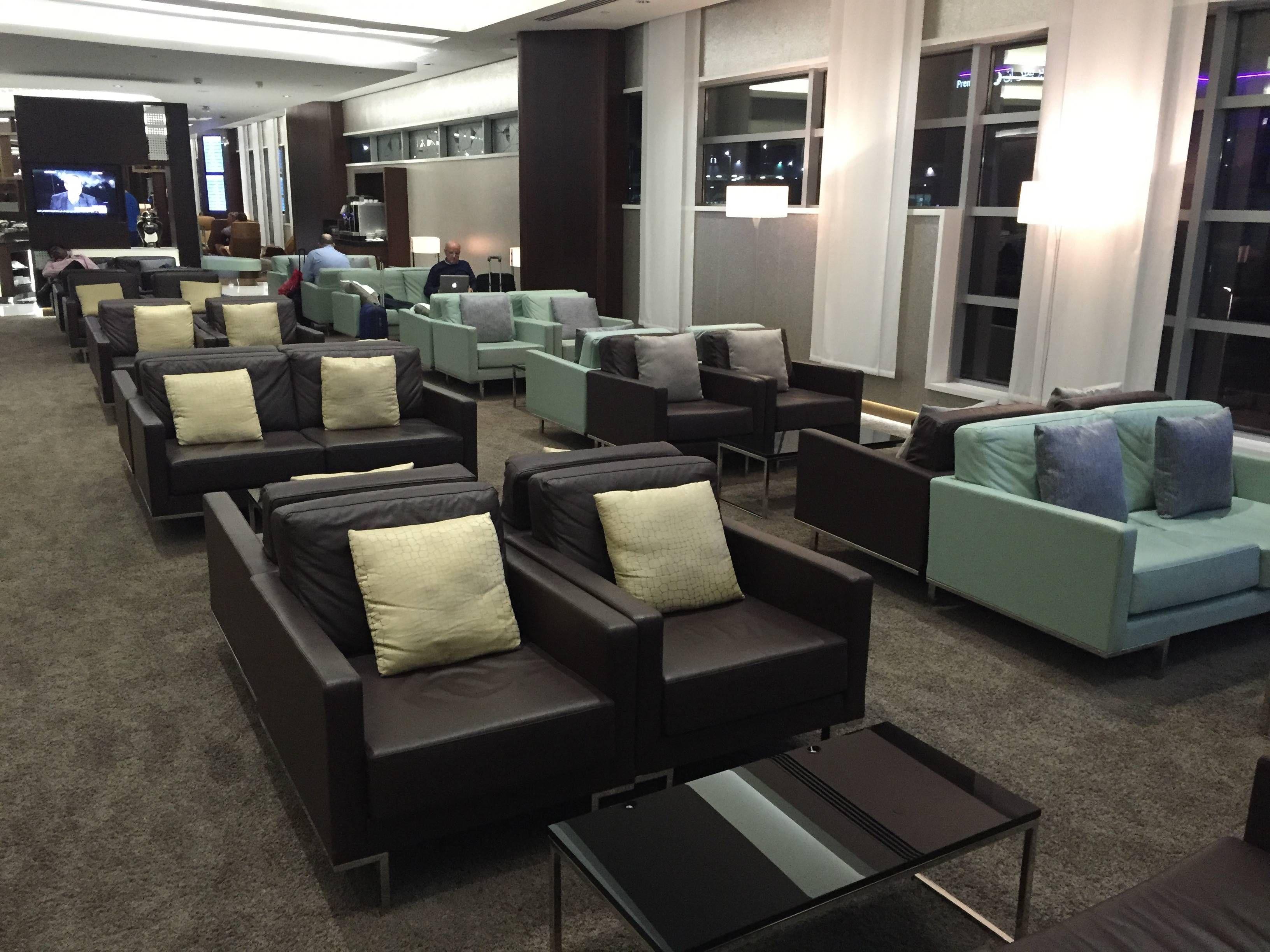 Etihad Premium Lounge Abu Dhabi - Passageiro de Primeira26