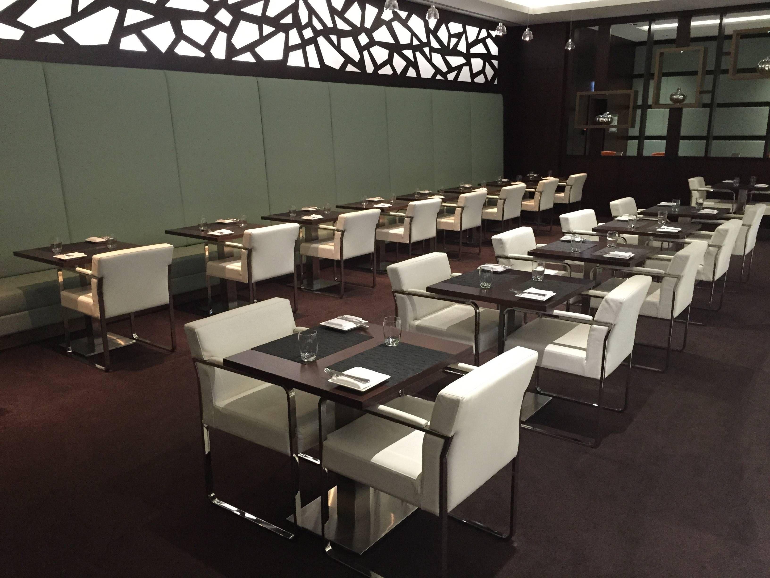 Etihad Premium Lounge Abu Dhabi - Passageiro de Primeira32