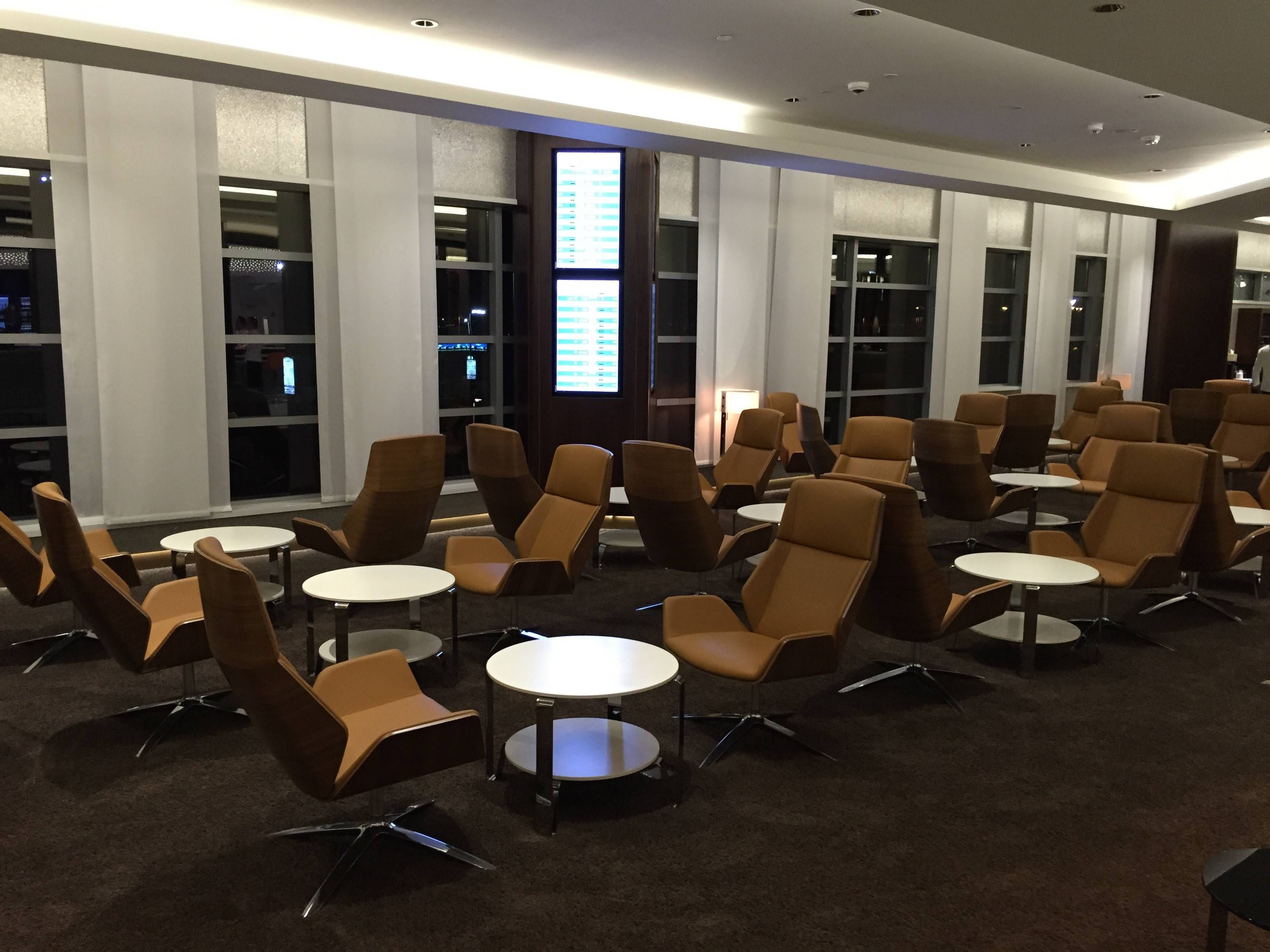 Etihad Premium Lounge Abu Dhabi - Passageiro de Primeira33
