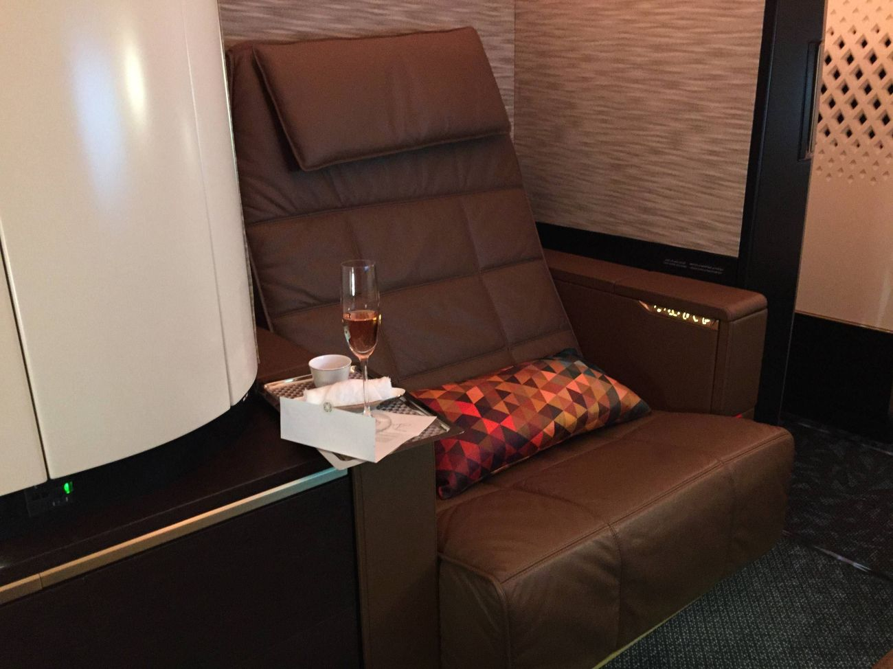 First Class Apartment A380 Etihad - PassageirodePrimeira31