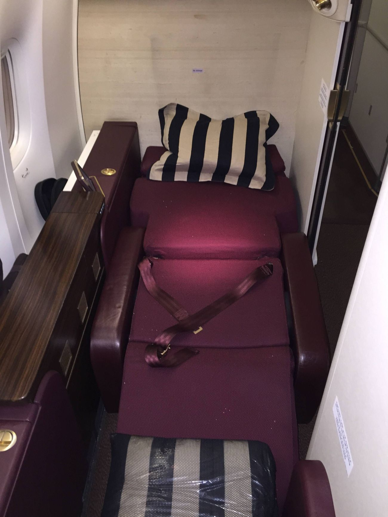 Jet Airways B777 First Class Etihad Passageiro de Primeira-23