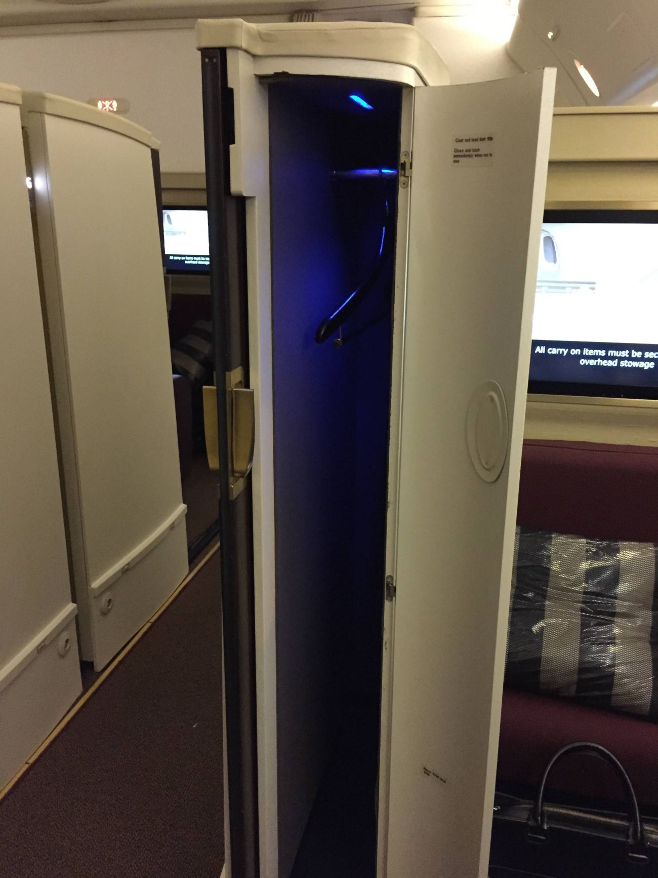 Jet Airways B777 First Class Etihad Passageiro de Primeira-25
