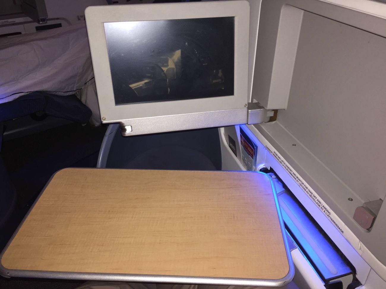 Air Canada B777 Business Class-023