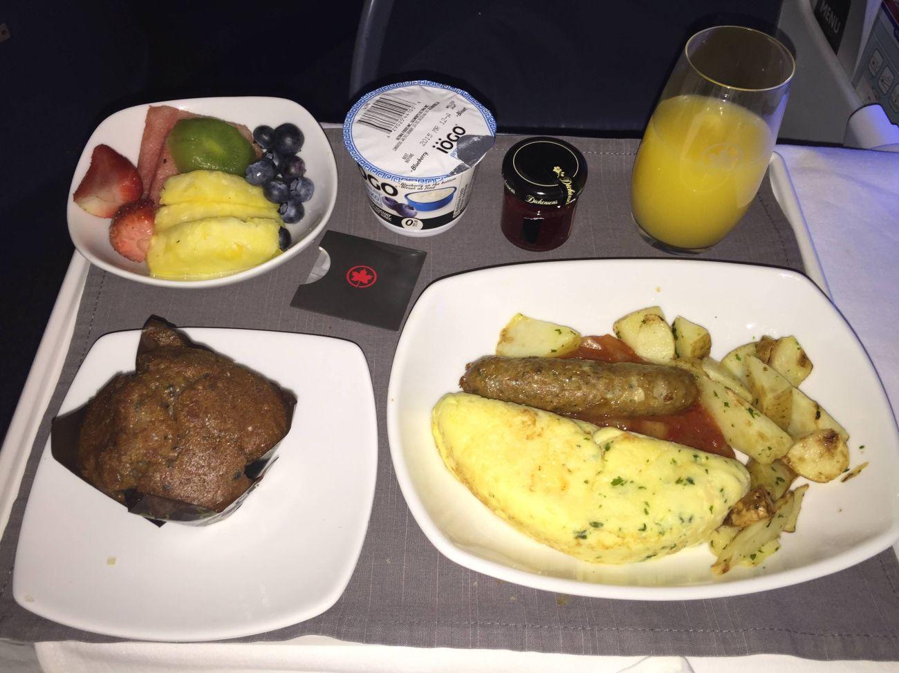 Air Canada B777 Business Class-030