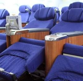 Azul chega a cobrar o dobro que as demais cias aéreas nas passagens em classe executiva para os EUA