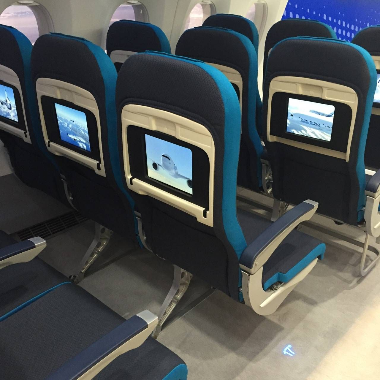Aircraft Interiors Expo 2015-011