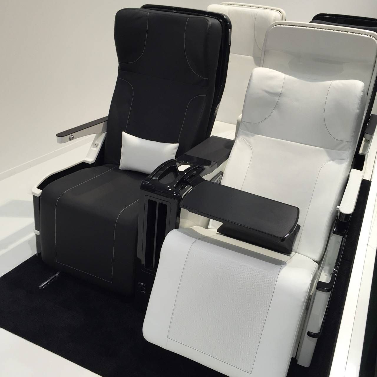 Aircraft Interiors Expo 2015-021