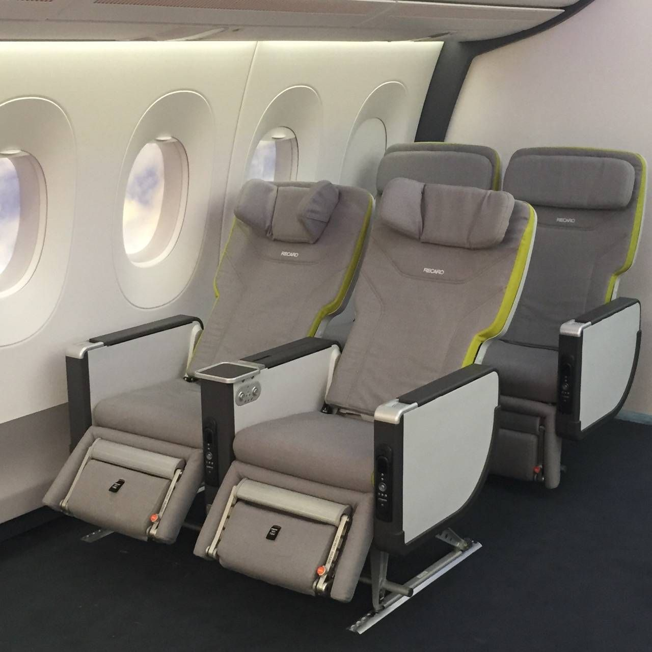 Aircraft Interiors Expo 2015-024