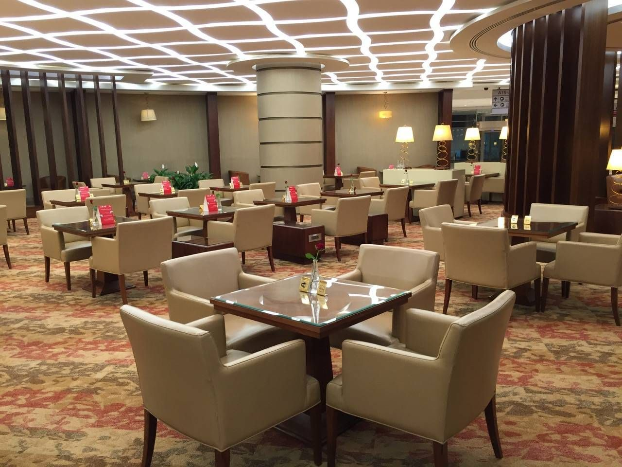 Emirates First Class Lounge Dubai -037