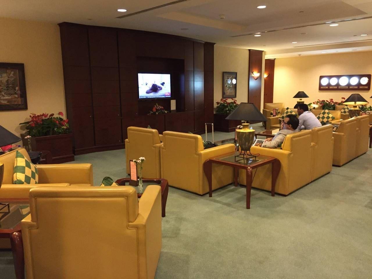 Emirates Lounge Shanghai-015