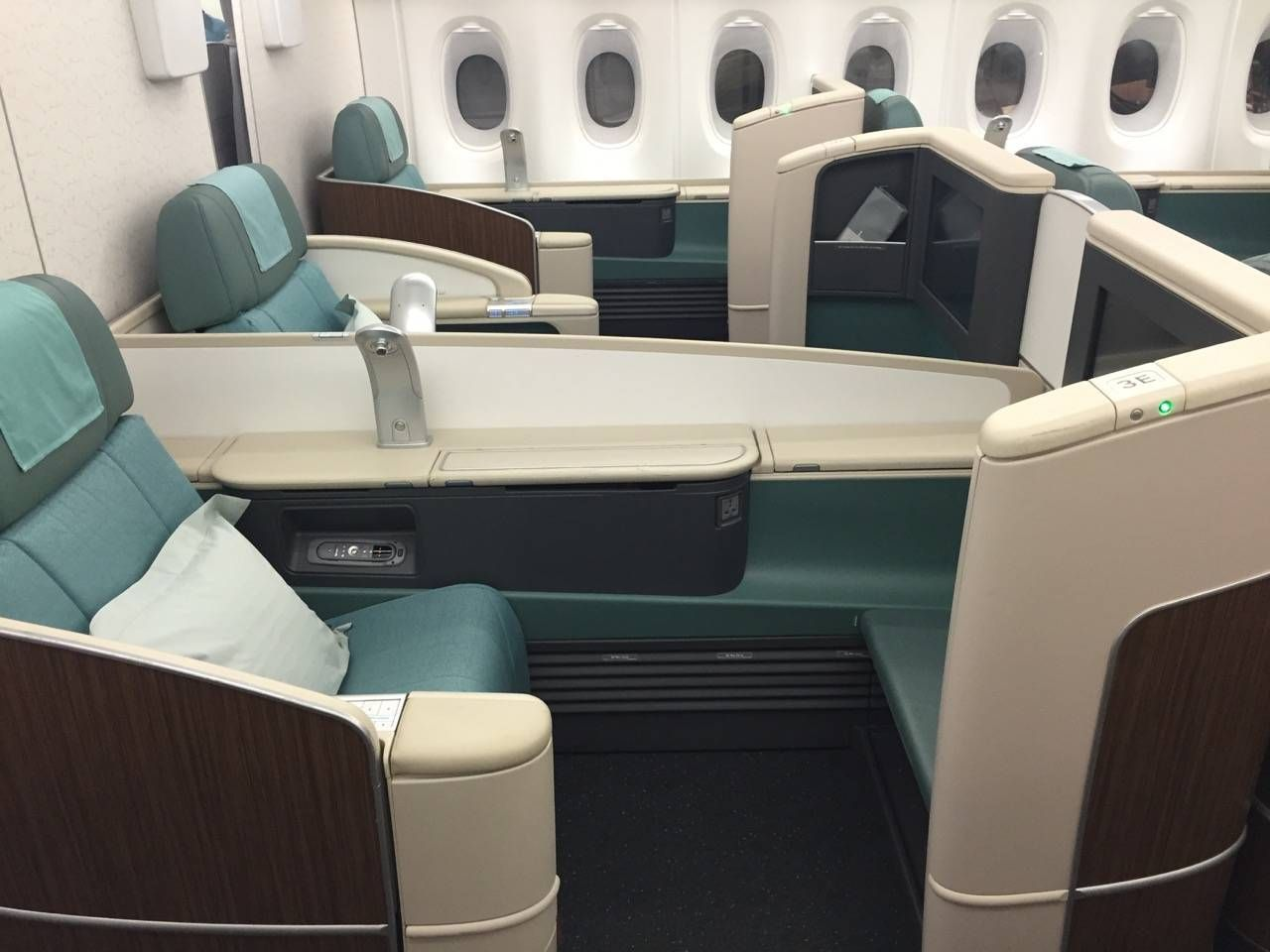 Korean Air First Class A380-010