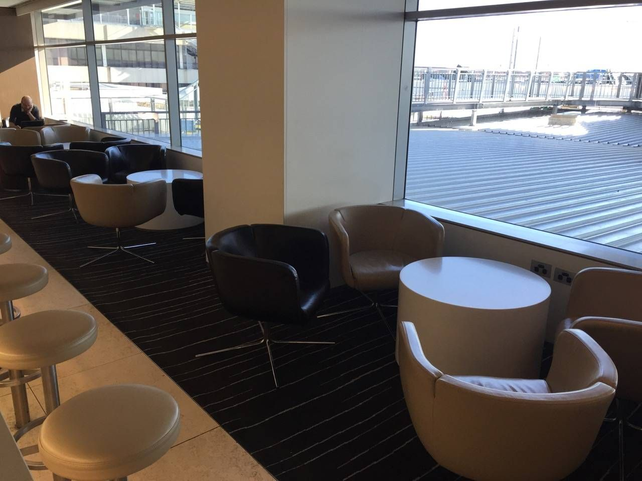 Qantas Business Lounge Sydney -022