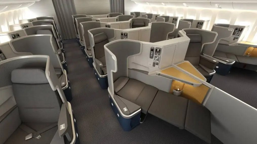 AmericanAirlines_777-300_BusinessClass_FullyLieFlatBed_Front