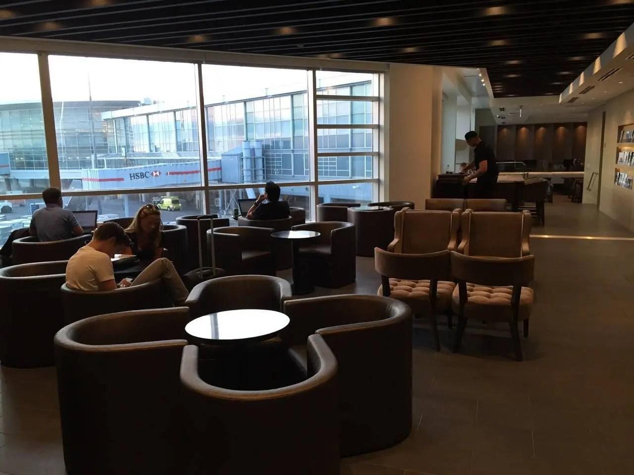 Plaza Premium Lounge Vancouver-04