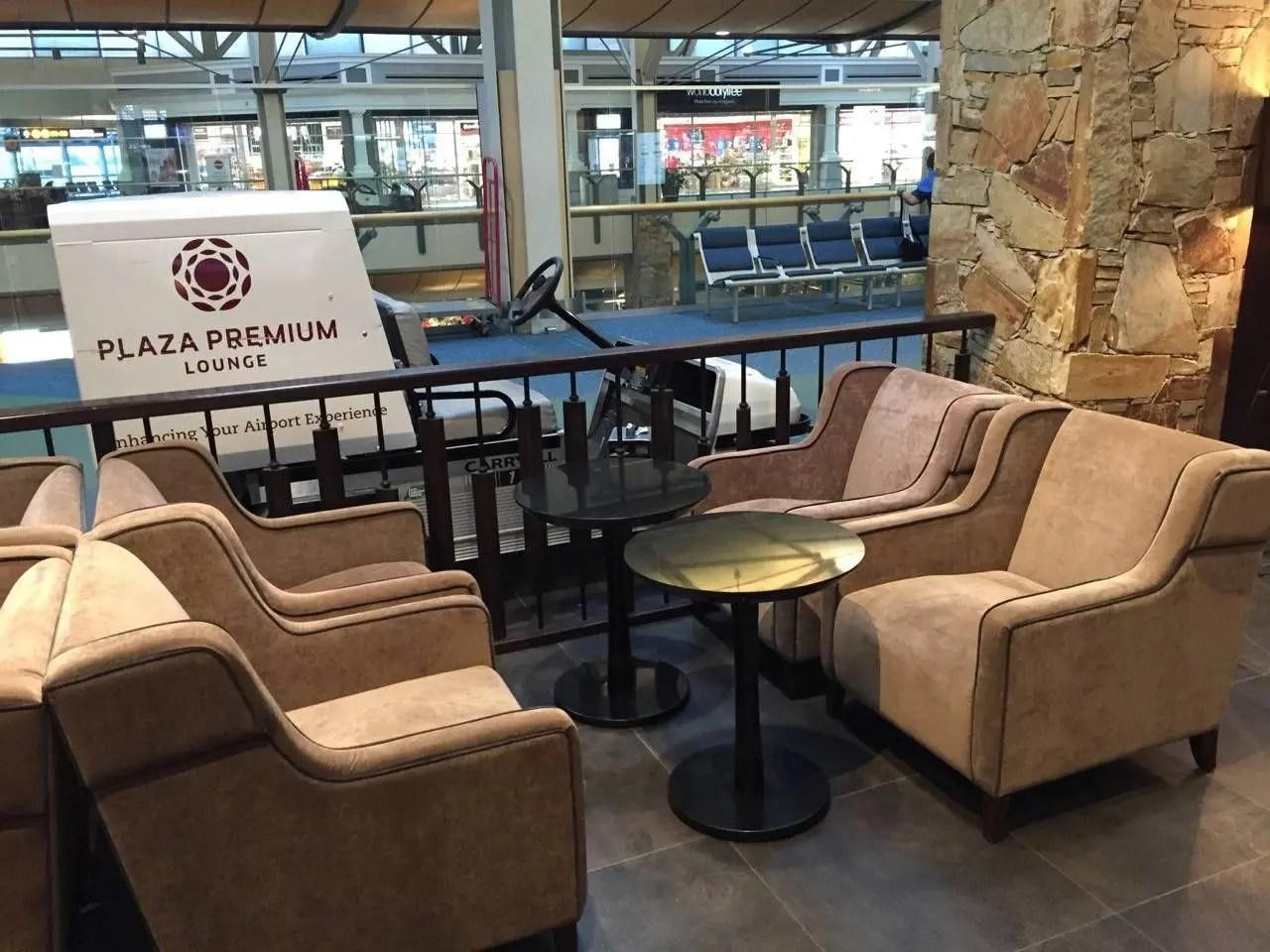 Plaza Premium Lounge Vancouver-06