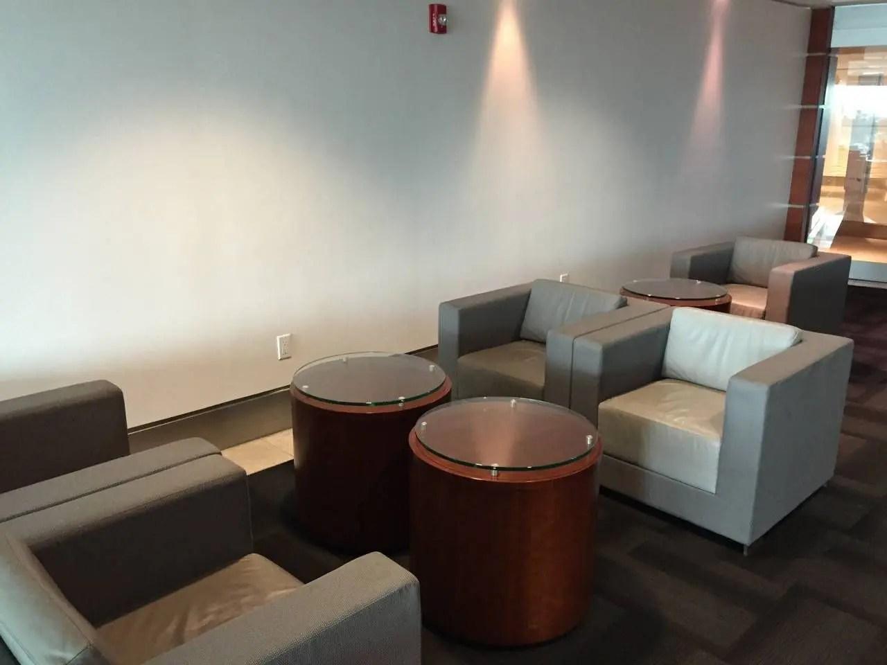 Sala VIP LATAM Miami-011