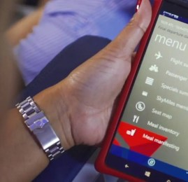 Delta implementa tecnologia para comissários de bordo e leva a personalização aos céus
