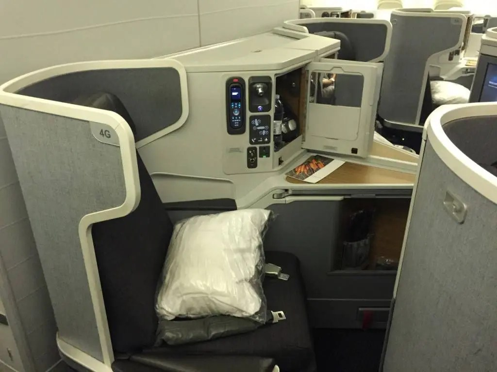 American Airlines B77W Business Class-013