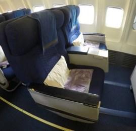 Classe Executiva da Malaysia Airlines no B737 – Hong Kong para Kuala Lumpur