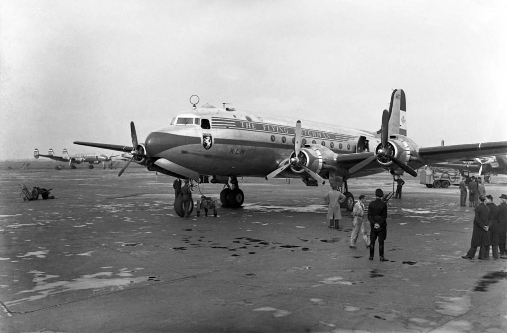 1946-dc-4-twenthe-op-schiphol