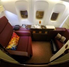 Primeira Classe da Jet Airways no B777-300ER – Delhi para Abu Dhabi (Operado pela Etihad)