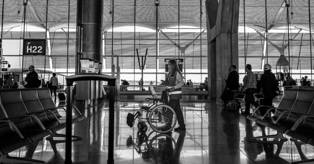 cadeira de rodas acessibilidade em aeroportos
