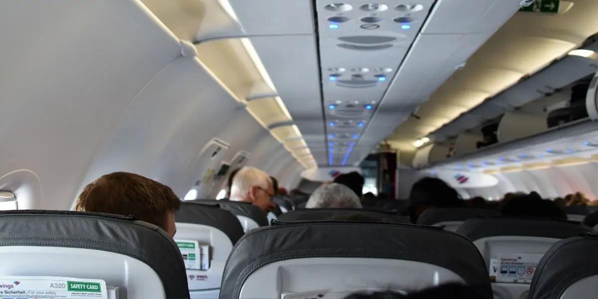foto interna cabine avião