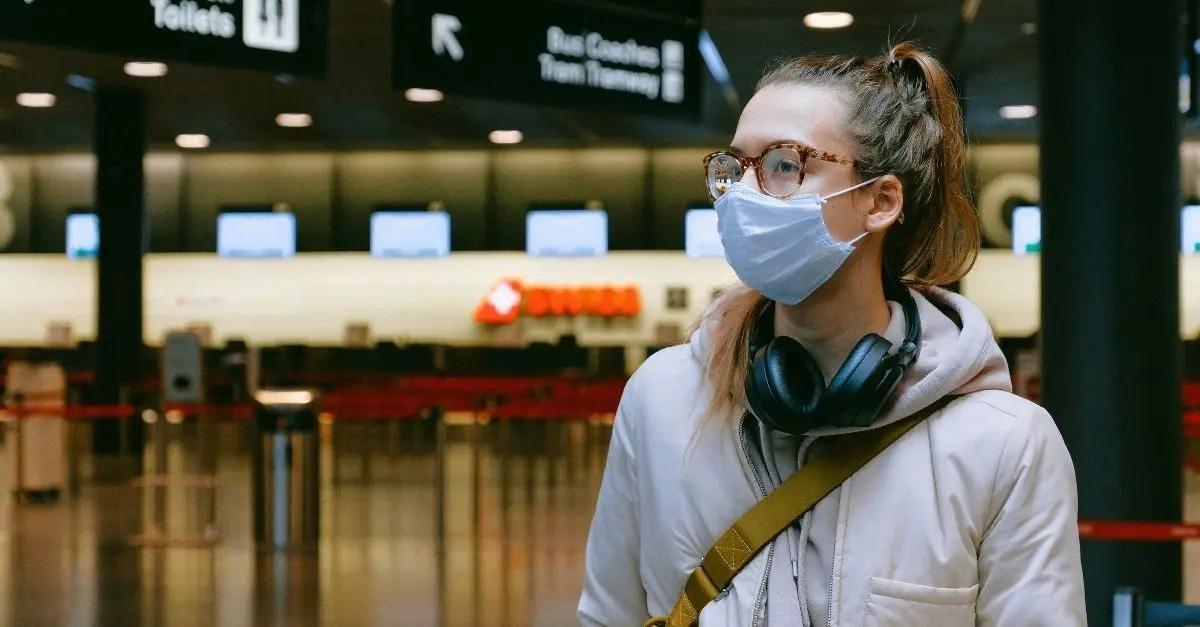 máscara aeroporto