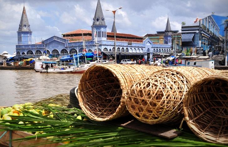 um dos pontos turísticos de Belém mais visitados, o mercado ver o peso