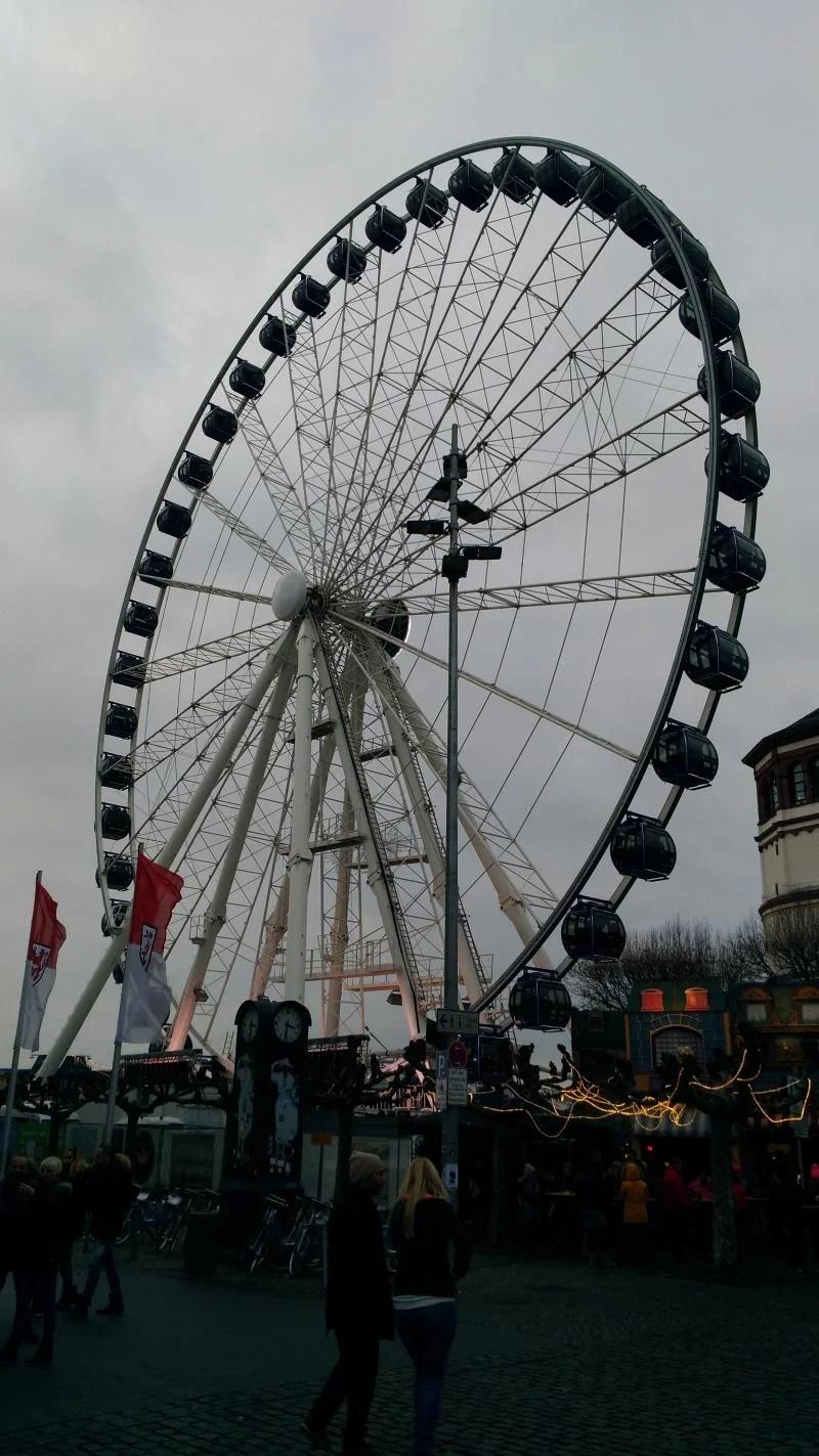 Roda gigante em Dusseldorf