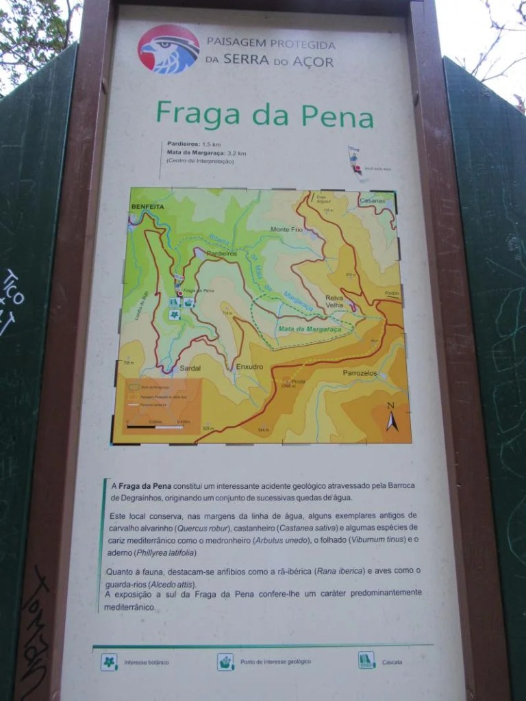 placa indicativa da Fraga da Pena